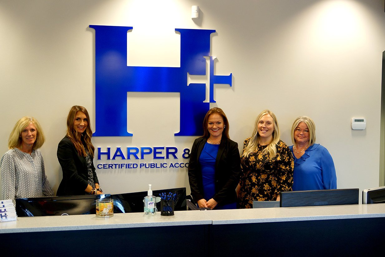 Hannah and Heather at the Harper CPA front desk